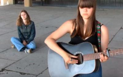 Nova geração cantando suas mensagens…
